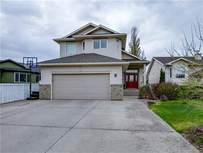 36 Fairmont Gate S Lethbridge Alberta $409,900