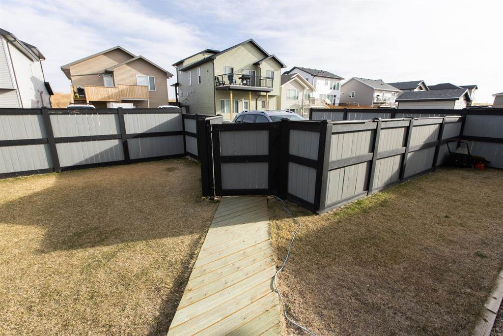 624 Aquitania Boulevard W in Lethbridge - House For Sale : MLS# a1090178 Photo 5