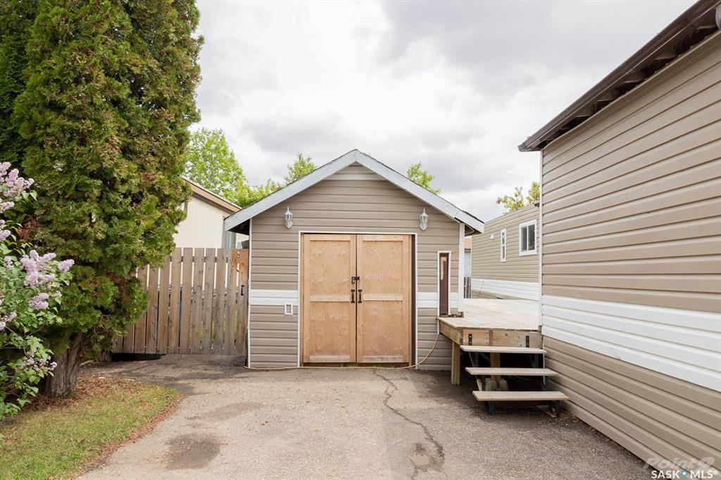 1035 Boychuk Drive, Saskatoon, Saskatchewan Photo 3