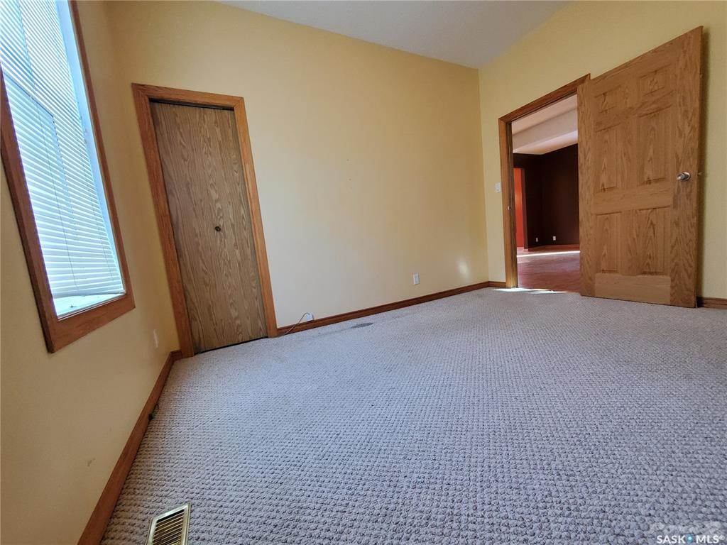 536 Central Avenue N in Swift Current - House For Sale : MLS# sk842770 Photo 15