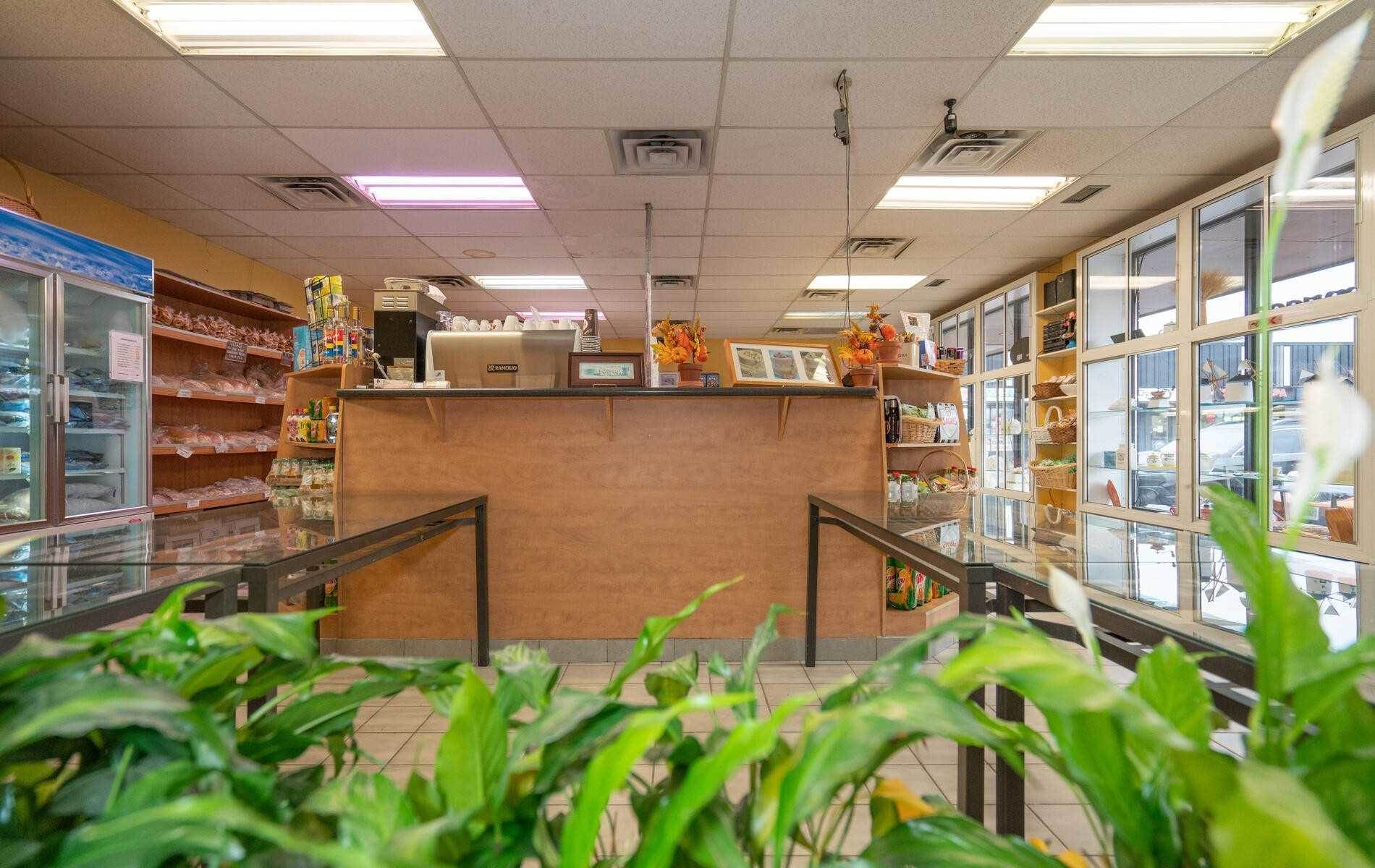 4 Mclaughlin Rd S in Brampton - Commercial For Sale : MLS# w5140894 Photo 10
