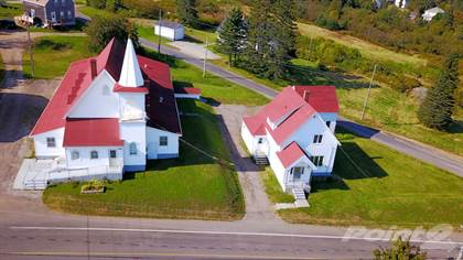 House for Sale  in 1896-1900 Route 776, Grand Manan, New Brunswick, E5G3H2