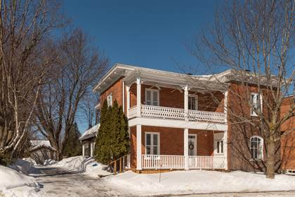 House  in 44 Derby Ave., Vankleek Hill, Ontario, K0B1R0