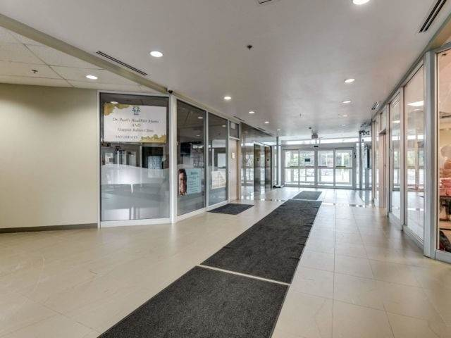 50 Sunny Meadow Blvd in Brampton - Commercial For Sale : MLS# w4975170 Photo 1