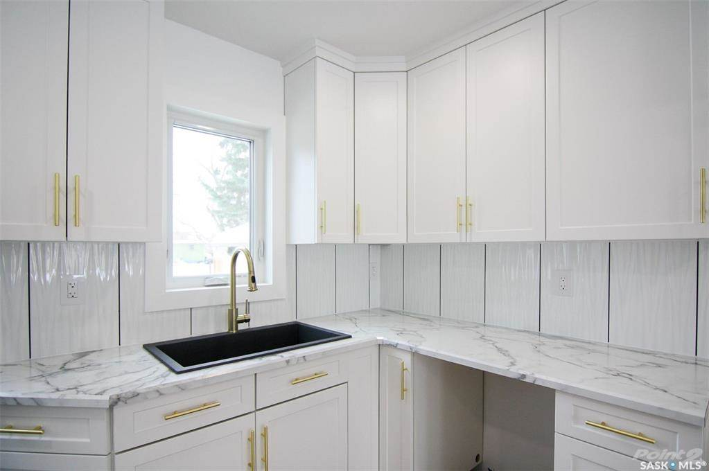 247 Maple Avenue in Yorkton - House For Sale : MLS# sk842844 Photo 6