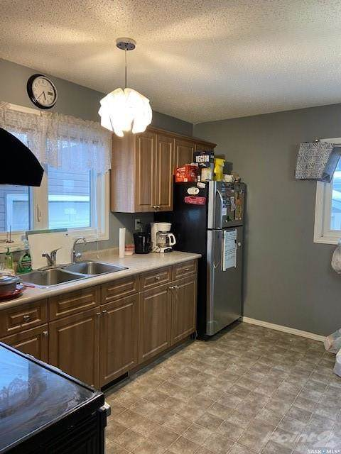 49 Matheson Crescent in Yorkton - House For Sale : MLS# sk842477 Photo 3
