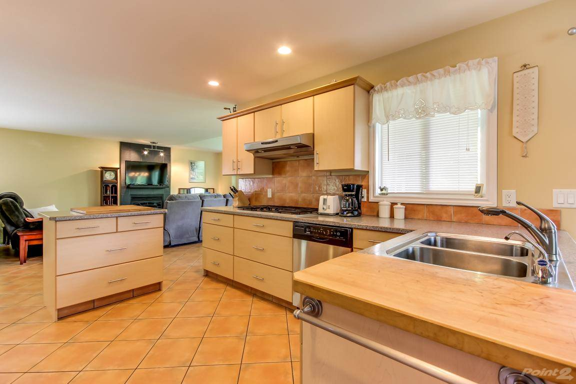 5918 Kennedy Street, Summerland House For Sale