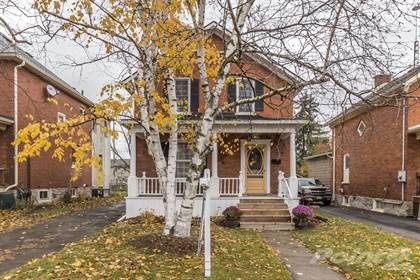 House  in 429 Middle Street, Cambridge, Ontario, N3H3Z7