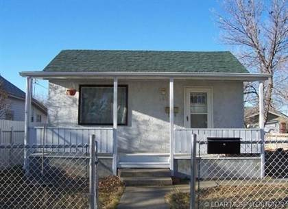 House  in 246 15 Street N, Lethbridge, Alberta, T1H2X6