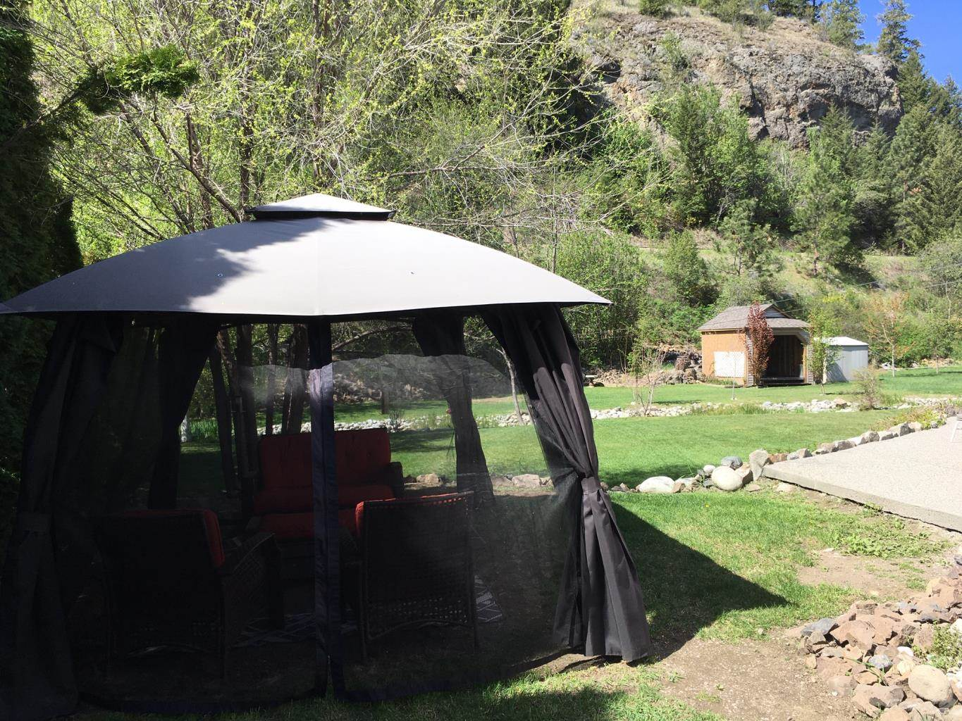7200 Victoria Road South, Summerland House For Sale