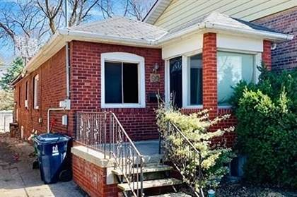 House For Sale 99 Gainsborough Rd, Toronto, ON