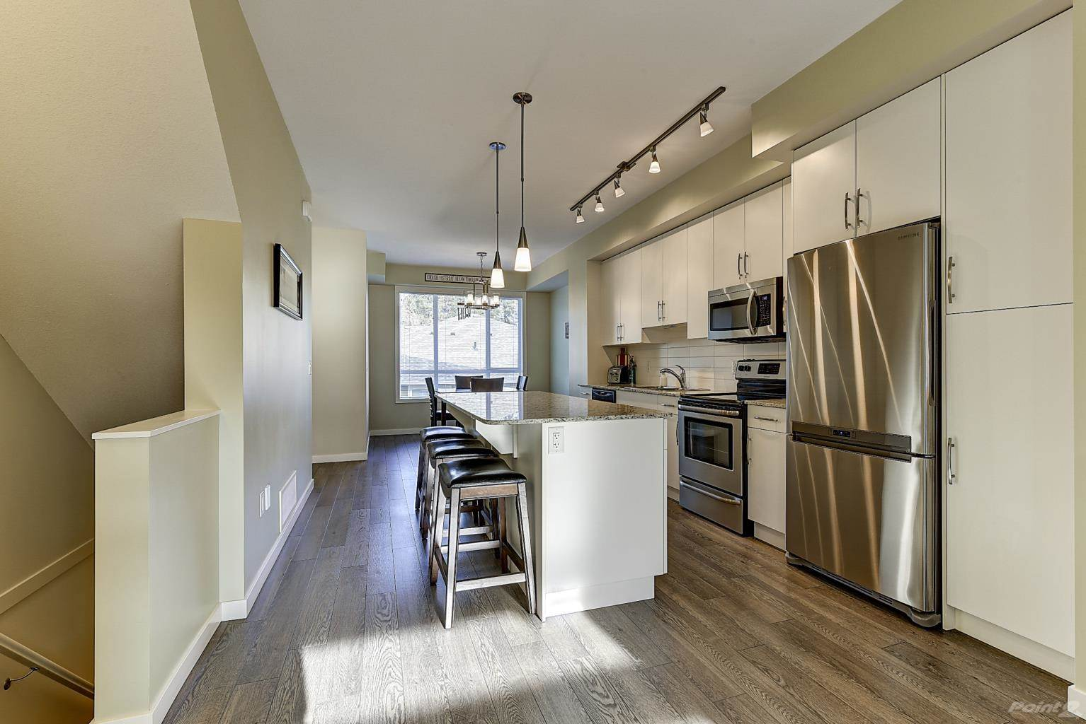 625 Boynton Place in Kelowna - Multifamily For Sale : MLS# 10221871 Photo 5