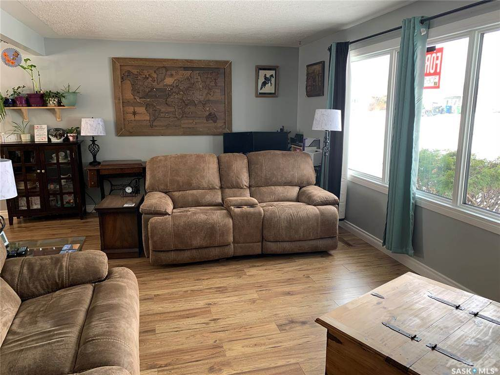 83 Roderick Avenue in Southey - House For Sale : MLS# sk842939 Photo 8