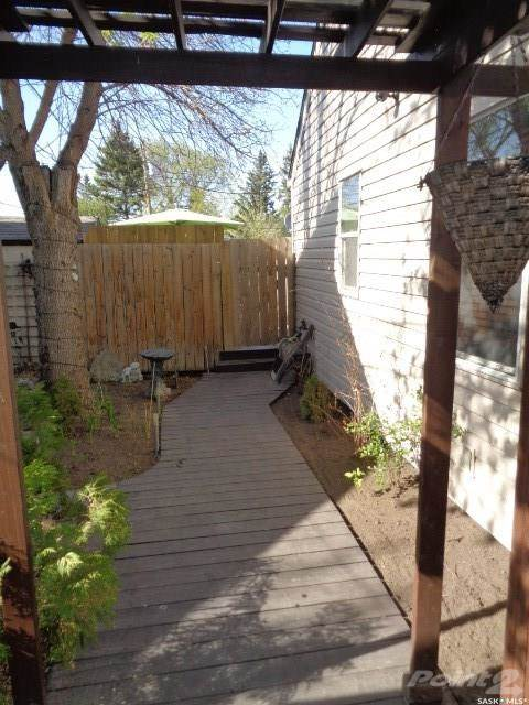 House For Sale 46 Charles Crescent, Regina, SK (Picture No. 6)