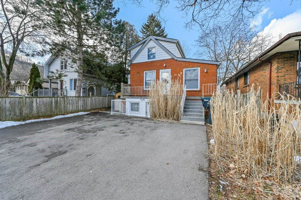 28 Clifford Street in Hamilton - House For Sale : MLS# h4099018 Photo 2