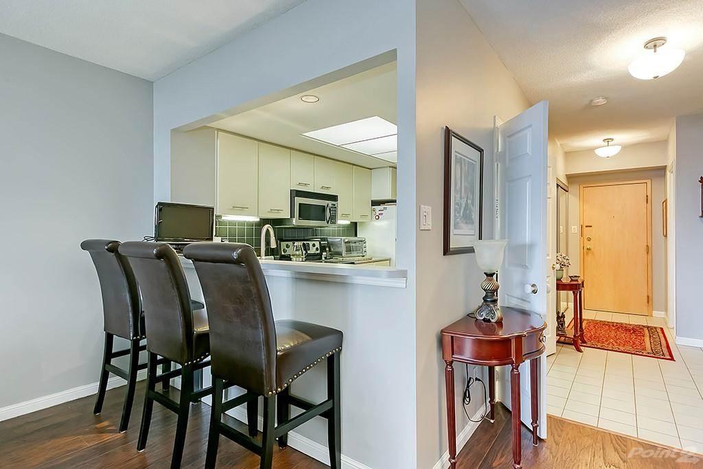415 Locust Street in Burlington - Condo For Sale : MLS# h4098223 Photo 12