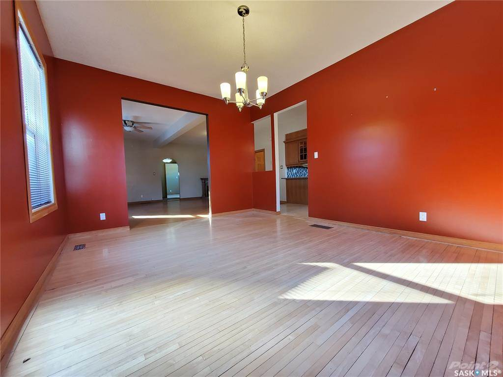 536 Central Avenue N in Swift Current - House For Sale : MLS# sk842770 Photo 9