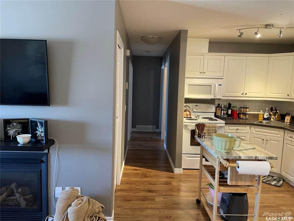 160 Gore Place in Regina - Condo For Sale : MLS# sk849537 Photo 3