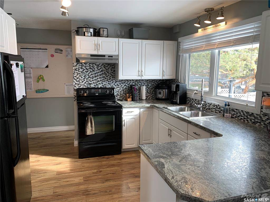 83 Roderick Avenue in Southey - House For Sale : MLS# sk842939 Photo 5