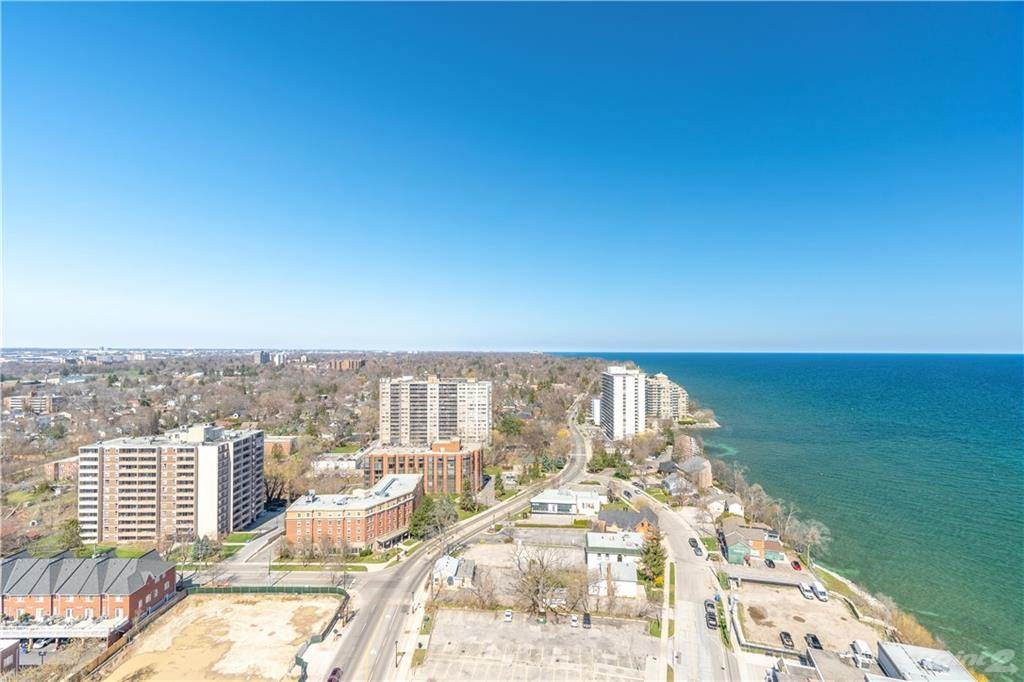 2060 Lakeshore Road in Burlington - Condo For Sale : MLS# h4095594 Photo 10