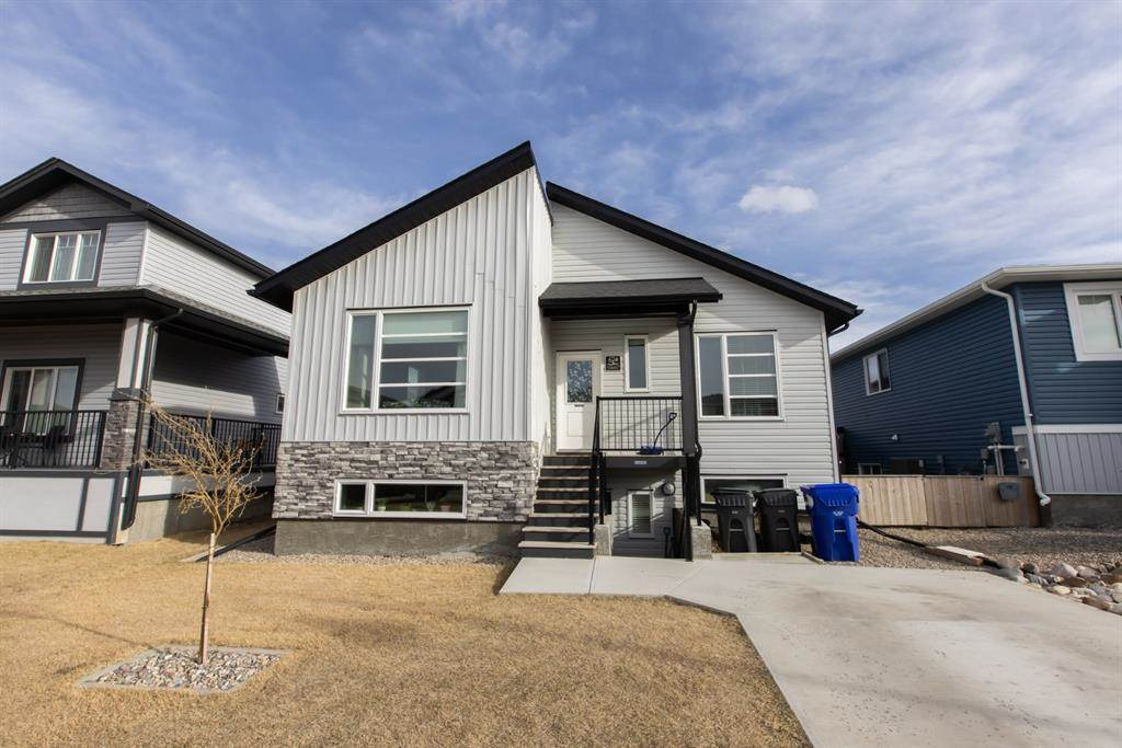 624 Aquitania Boulevard W in Lethbridge - House For Sale : MLS# a1090178 Photo 1